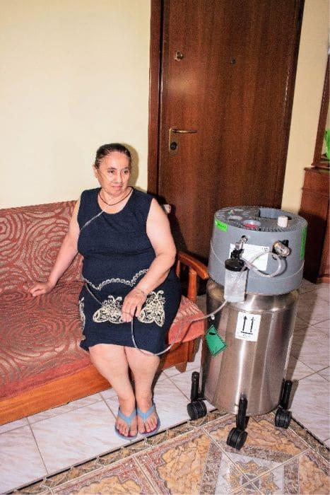 Ασθενής που χρησιμοποιεί υγρό οξυγόνο